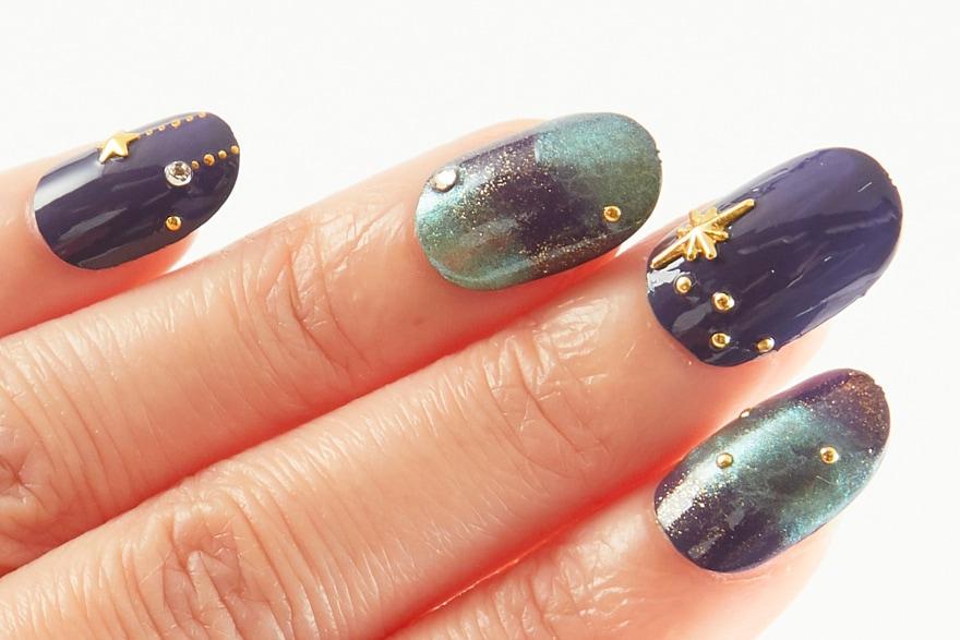 幻想的な美しさ★ 爪先で星が輝くネイル